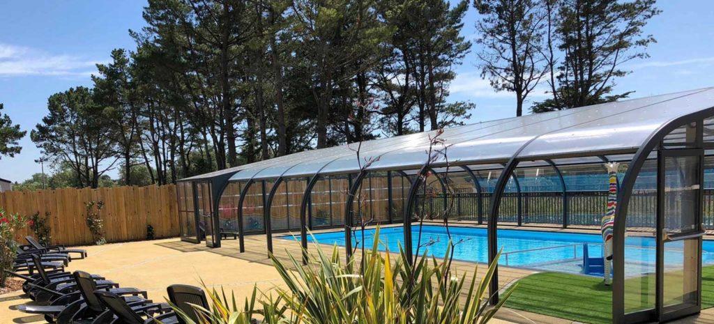 Camping ouvert à l'année avec piscine couverte en Vendée
